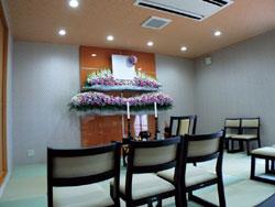 加須市鷺ノ宮駅グラーテストネ前,1日葬ホールリビング